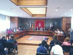 Hoy estamos con el CEIP Aldea Blanca en el Ayuntamiento de San Miguel de Abona en el Pleno por la